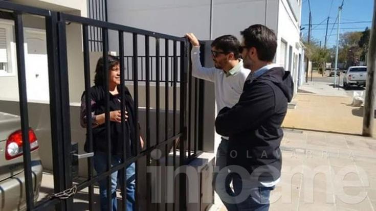 Como Macri y Vidal, Galli salió a tocar timbre