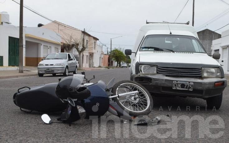 Accidente: una joven sufrió heridas y fue hospitalizada