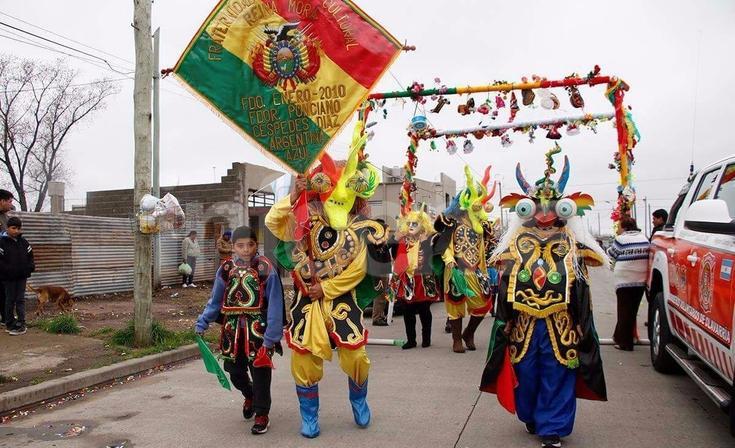 Imponente celebraciónde la comunidad Boliviana en Olavarría