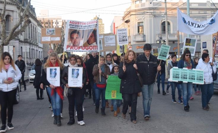 Marcharon por casos de abuso sexual sin resolver en Olavarría