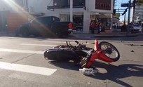 Motociclista herido tras choque en pleno centro