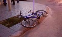 Siguen chocando: ciclista resultó herido