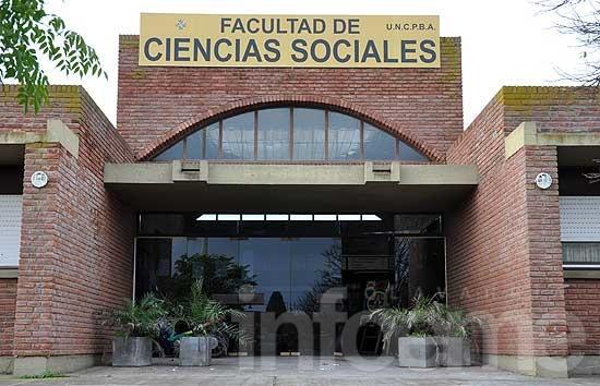 """Concurso Literario """"25 Años de la Facultad de Ciencias Sociales"""""""