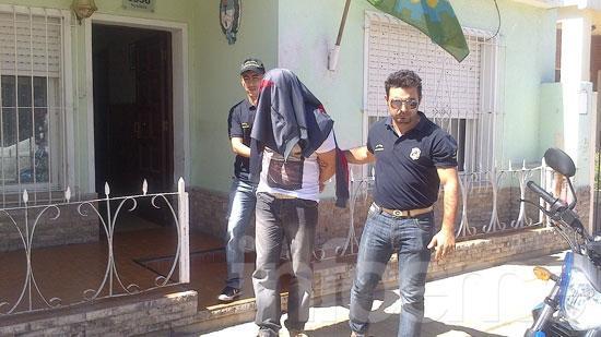 Atrapan a hombre acusado por un robo en barrio San Vicente