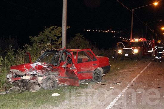 Violento accidente entre dos autos en acceso a Sierras Bayas