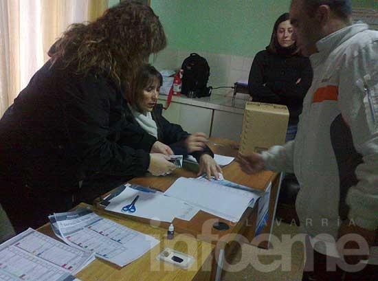 Más de 60 detenidos votaron en el Penal de Sierra Chica