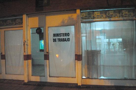 Gremialistas tomaron el Ministerio de Trabajo