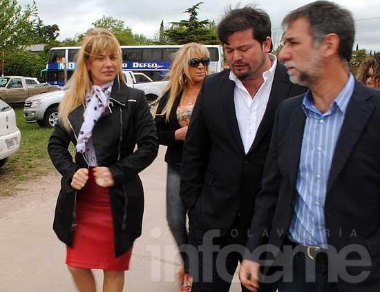 La presidenta del Consejo Escolar entregó petitorio a De Lucia