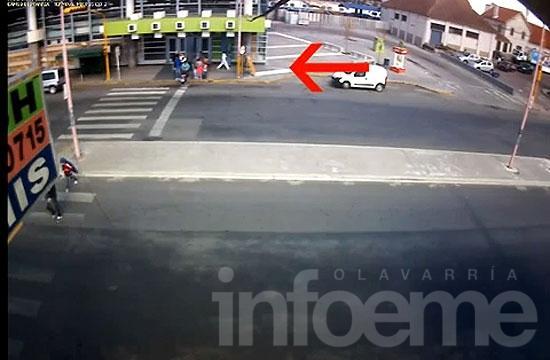 La siguió hasta el kiosco y le robó la moto en la Terminal
