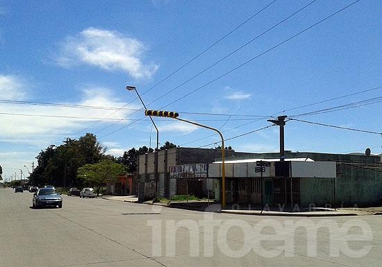 Nuevo semáforo en Avellaneda y Celestino Muñoz