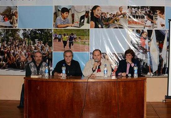 Osvaldo Chiche Sosa y Juan Manuel Pons ofrecerán una clínica deportiva