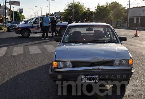 Dos nenas heridas en un choque entre dos automóviles