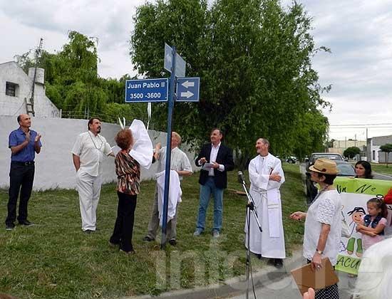 Impusieron el nombre Juan Pablo II a calle del ACUPO I