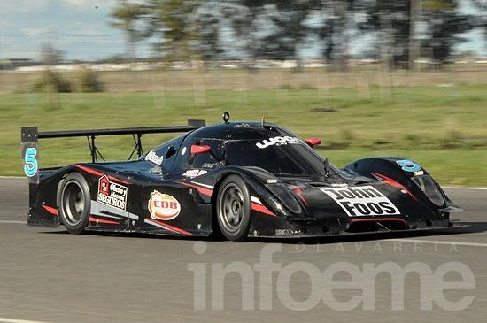 Podio de Vigo en el GT2000