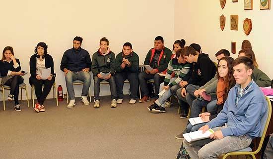 Los estudiantiles vuelven a la reunión de comisión