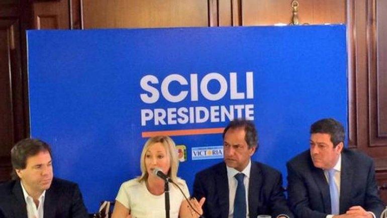 Candidata de Massa llamó a votar por Scioli en primera vuelta