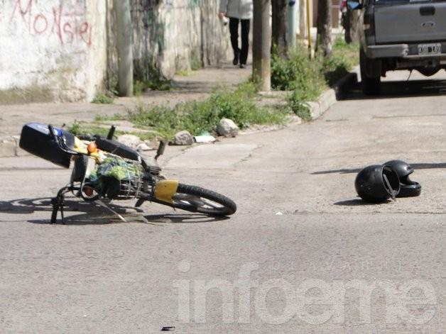 Madre e hijo con graves heridas en accidente de tránsito