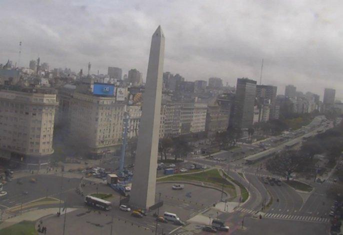 Después de dos semanas, el Obelisco recuperó su punta
