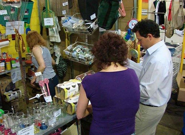 Las ventas en comercios aumentaron 2,4% en septiembre