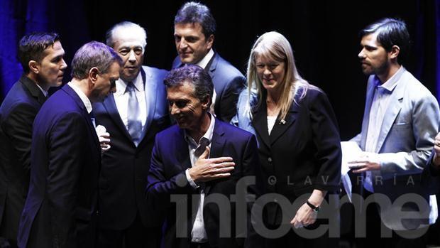 Con Scioli ausente, se realizó el primer debate presidencial