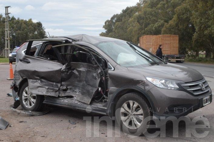 Tres heridos en un fuerte choque en Avellaneda y Ruta 51