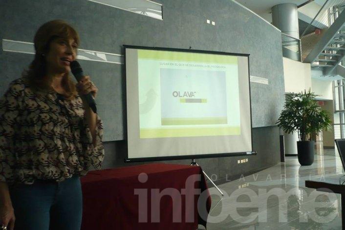 """El programa """"Abriendo Ventanas"""" fue presentado en congreso internacional"""