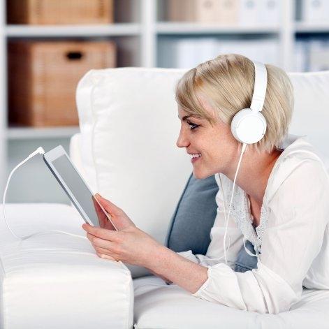 Internet: se escucha más música pero se bajan menos libros