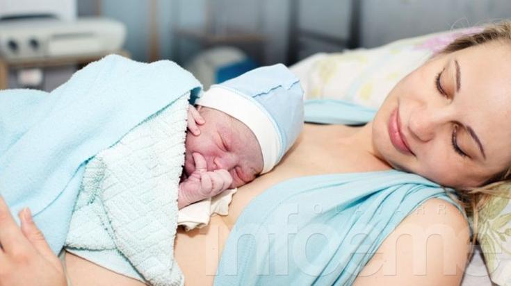Todas las mujeres tendrán derecho a un parto humanizado