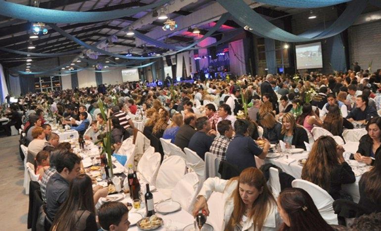 Los mineros de AOMA festejaron su día con una cena-show