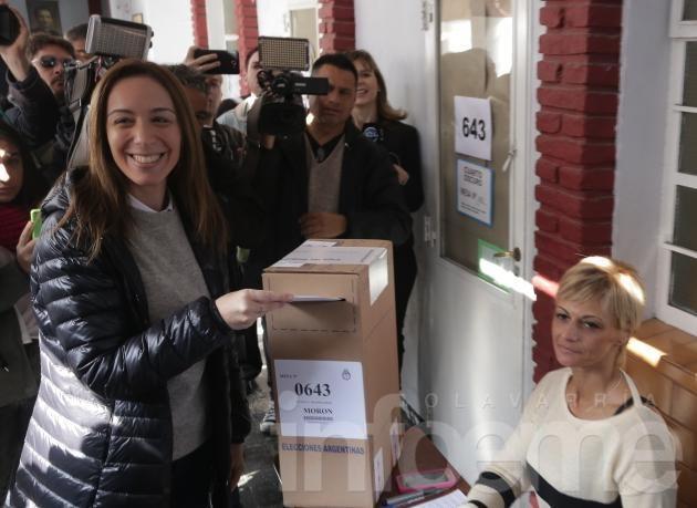 """Vidal votó """"confiada y con mucha esperanza"""""""