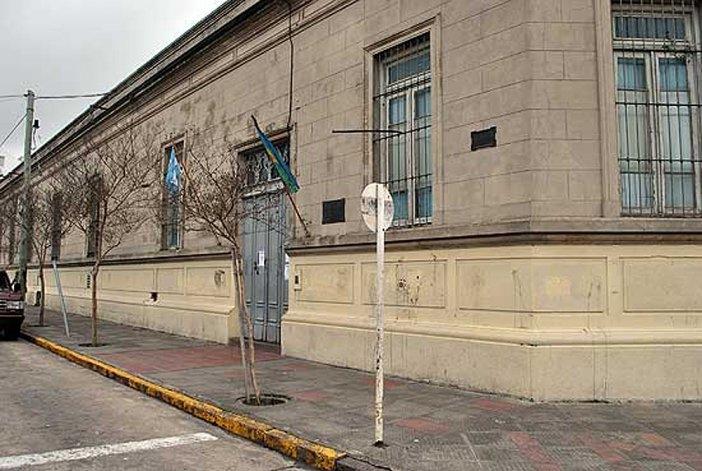 En el Colegio Rosario hubo boletas del FIT de 25 de Mayo