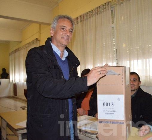 Eseverri busca la reelección y confió en un conteo rápido