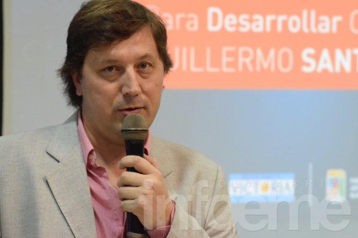 """Santellán: """"Ningún dirigente debe pensar que los votos son de alguien"""""""