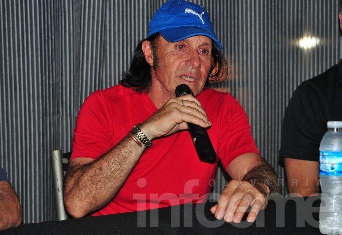 Con Guillermo Vilas en la Ciudad, arrancó el nacional de Grado Uno