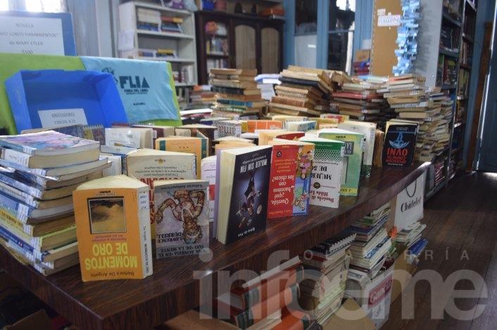"""Por el temporal se dañaron más de mil libros en la Biblioteca """"1º de Mayo"""""""
