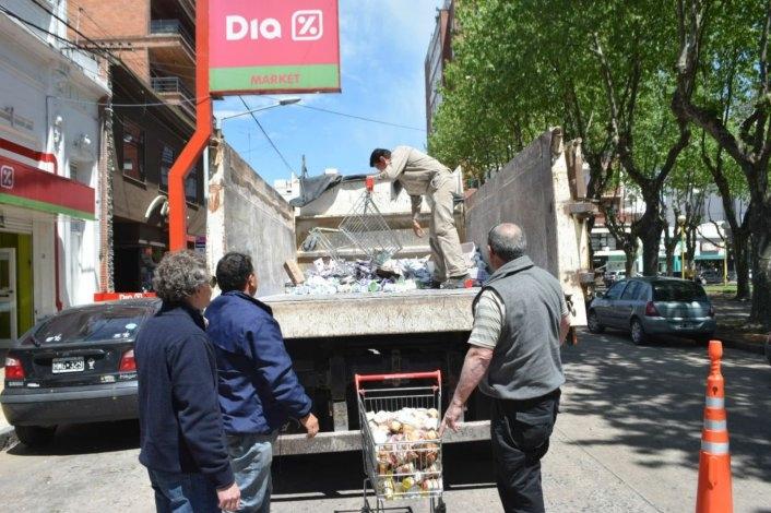 Decomisan más de 1800 kilos de mercadería en un supermercado céntrico