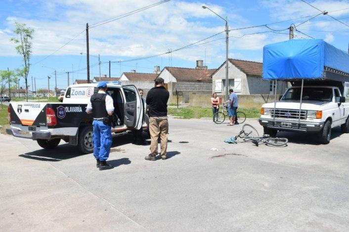 Ciclista gravemente accidentado: un policía le aplicó la técnica de RCP