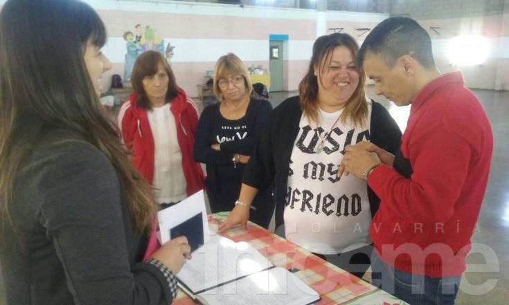 Una joven pareja se casó en la Unidad 38 de Sierra Chica