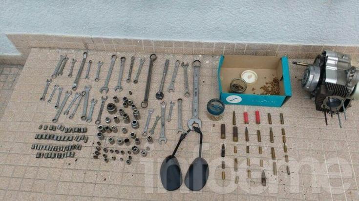 Secuestran elementos durante allanamiento en Sierras Bayas