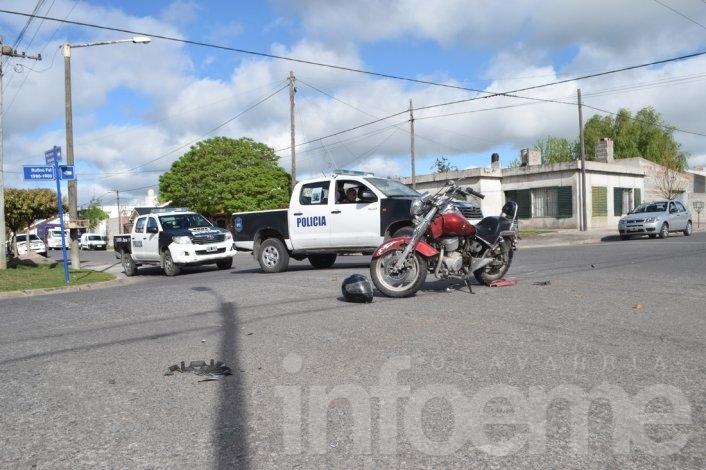 Un motociclista resultó herido tras chocar con un vehículo