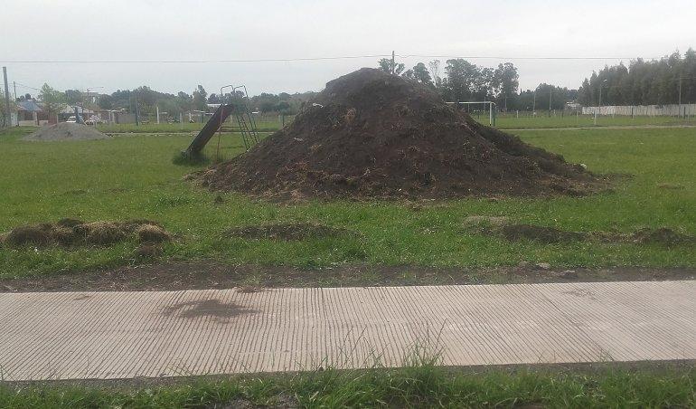 """Plaza de Sierra Chica: afirman que """"no existe abandono de obra"""""""