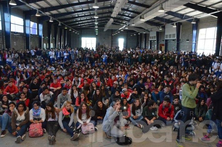 """Más de mil jóvenes participan de """"Diversxs e Iguales"""""""