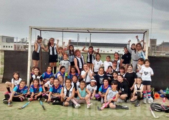 Hockey: amistosos entre Loma Negra y Estudiantes
