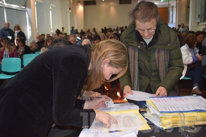 Casi 300 beneficiarios para la firma de Escrituración Social