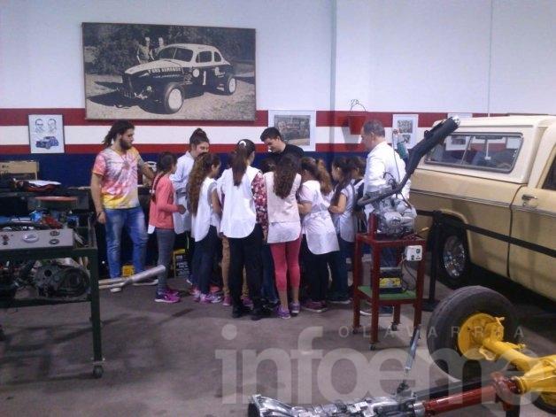 """Se inauguró el taller """"Somos mecánicos por un día"""""""
