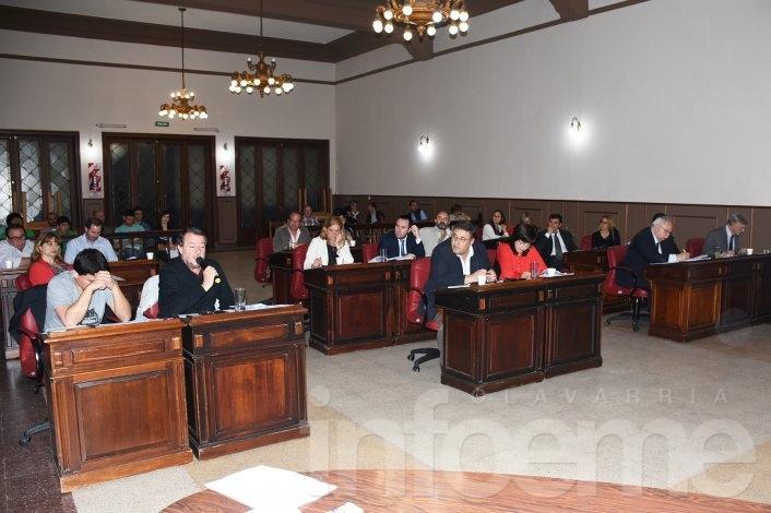 Ley de tierras tema de extenso debate hasta el corte de luz