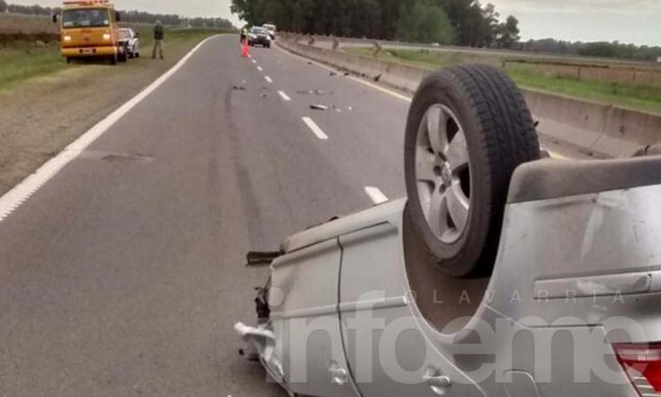 Automovilista volcó tras chocar con un camión en ruta 226
