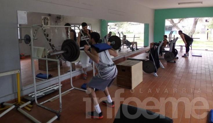 Estudiantes se prepara para enfrentar a Olimpo