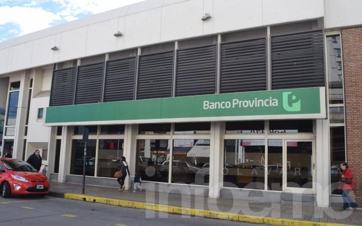Los bancarios se preparan para otra semana con protestas y cese de tareas