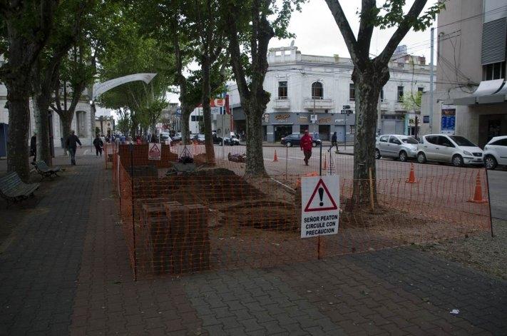 Trabajos de remodelación en la plaza central